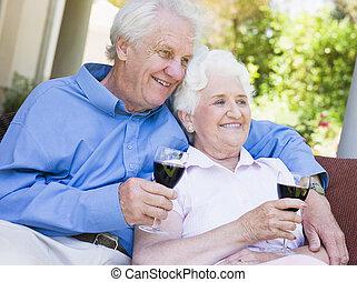 séance, couple, verre, dehors, personne agee, avoir, vin rouge
