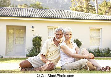 séance, couples dehors, maison, personne agee, rêve