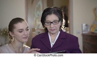 séance femme, salle, elle, tablette, mûrir, venir, utilisation, girl, lunettes