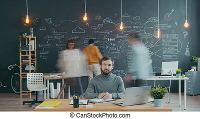 séance, portrait, quoique, gens, ouvert, défaillance, bureau, bureau, temps, fonctionnement, homme espace, collègues