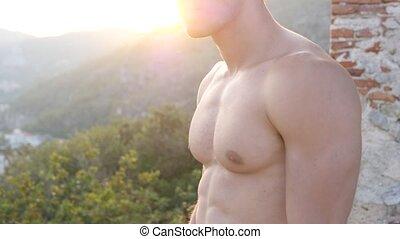 séduisant, nature, musculaire, sans chemise, homme, jeune