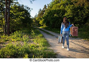 sablonneux, holiday., retour, réussi, pays, promenade, après, maison, lourd, valises, campagne, vert, arbres., route, long, vieux