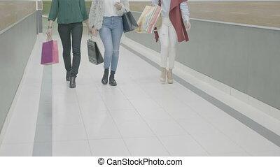 sacs, mode, achats, appelé, leur, centre commercial, mains, amis fille, marcher