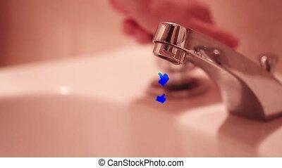 salle bains, beaucoup, couler, haut, ainsi, pouces, robinet, ouvert