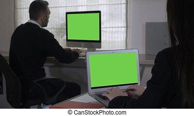 salle, business, écran, travail, deux, unrecognizable, équipe, exposer