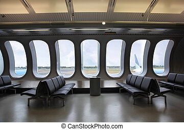 salle, fenetres, attente, aéroport., dehors, avions, vu, plusieurs