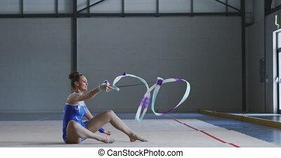 salle, gymnaste, femme, exécuter, sports