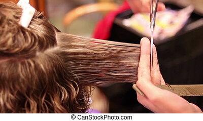 salon cheveux, découpage, ciseaux, femmes