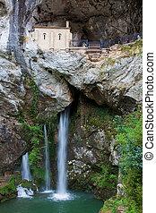 sanctuaire, covadonga, espagne, asturias