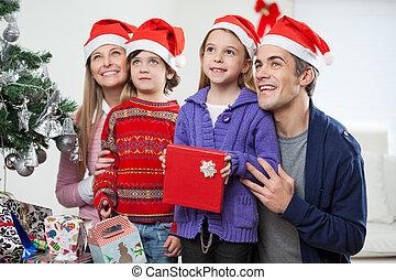 santa, chapeaux, famille, cadeau, noël