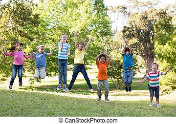 sauter, enfants, parc