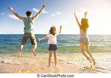 sauter, plage, famille, heureux