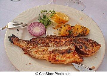 savoureux, blanc cliché, grand poisson, légumes, grillé