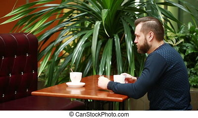 serrer main, café, deux, hommes affaires
