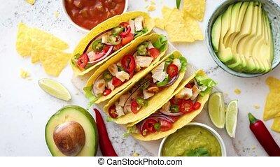servi, salsa mexicain, tacos, savoureux, légumes, divers, viande