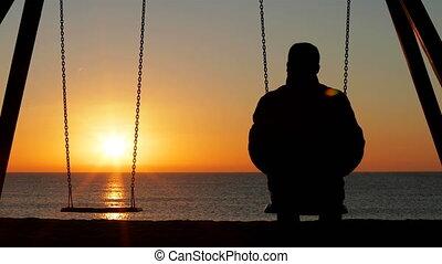 seul, plage, coucher soleil, contempler, homme