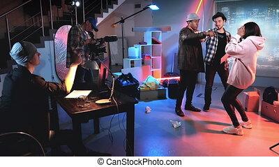 shooting:, directeur, noir, acteurs, ensemble, derrièrede la scène, tir, scène, jeune, enseignement