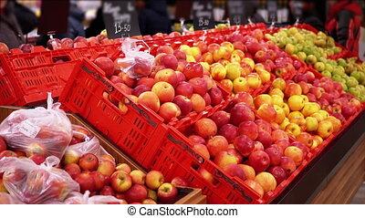 shoppers, pommes, faire du lèche-vitrines, coût, by., étiquettes, marche, supermarché