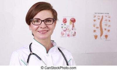 sien, femme, fermé, prend, docteur, glasses., appareil photo, stéthoscope, sourire