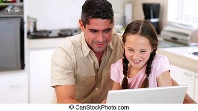 sien, père, fille, portable utilisation