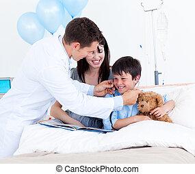 sien, peu, docteur, mère, sourire, garçon, jouer
