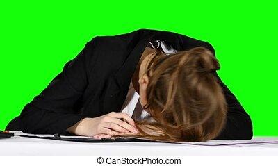 sien, tension, femme affaires, écran, jeune, martèlement, état, vert, poing, table.