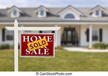signe vendu, maison, vente, maison, nouveau, devant