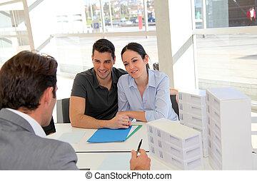 signer, immobilier, couple, agence, contrat, propriété, prêt