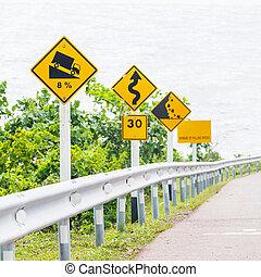 signes, route