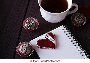 signet, balles, cahier, chocolat