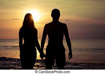 silhouette, coucher soleil, dos, temps, amour, lumière, couple, mer
