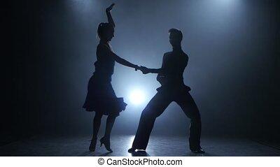 silhouette, enfumé, couple, danseurs, poser, jive, professionnel, studio