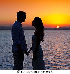 silhouette, lumière, couple, dos, lac, coucher soleil, amour