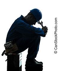 silhouette, triste, échec, réparation, ouvrier, homme, fatigue
