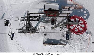 skieurs, aérien, mouches, sommet, chaise, bourdon, neigeux, transport, vue, ascenseur, slope., ski, sur