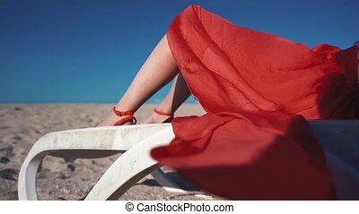 skirt., femme, plage, rouges