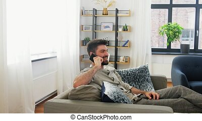 smartphone, heureux, homme, maison, appeler