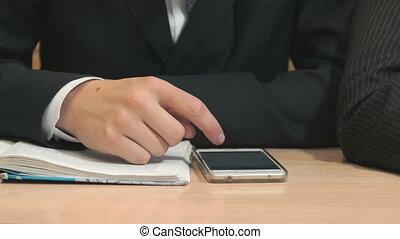 smartphone, inconnu, dactylographie, étudiant, texte, utilisation