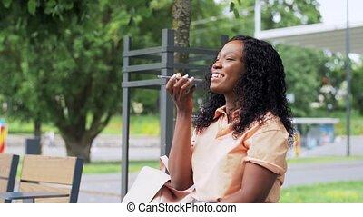 smartphone, voix, africaine, enregistrement, femme