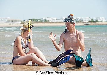 snorkel, couple, ensemble, plage, mer