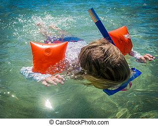 snorkelling, enfant