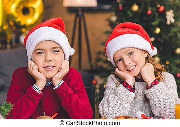 soeur, chapeaux, santa, frère
