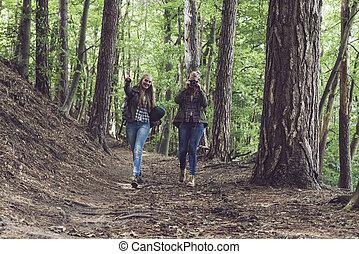 soeur, vers, marche, jumeau, trail., forêt, appareil-photo.