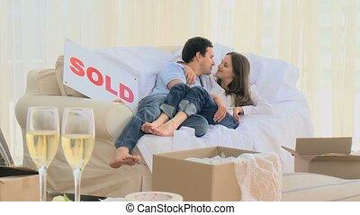 sofa, couple, mensonge, agréable