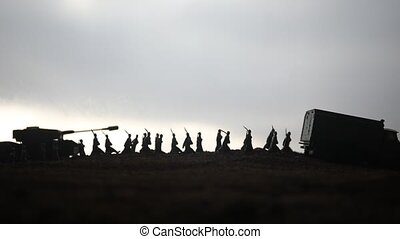 soldats, concept., combat, mondiale, attaque, nuageux, fond, réservoirs, scène, brouillard, au-dessous, militaire, décoration, ciel, battle., blindé, scene., silhouettes, vehicles., night., horizon, guerre