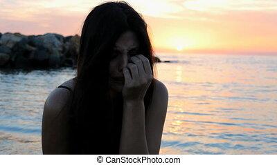 solitaire, femme, plage, pleurer, triste