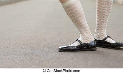 solo, gros plan, carrée, loop., danse, danse, pavement., jazz, city's, dance., rigolote, dancer's, balançoire, girl, jambes
