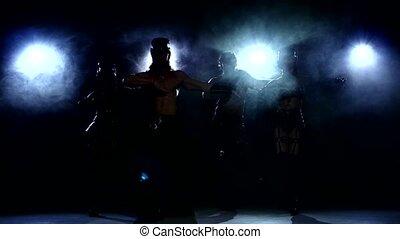sombre, danse, quatre, personne, policeman:, stripease