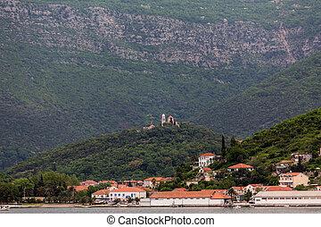 sommet colline, bâtiments, montenegro, côtier, église