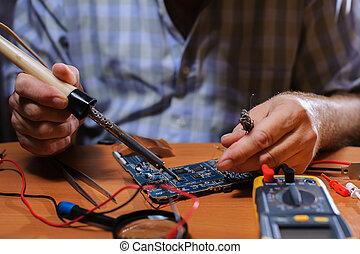 soudure, informatique, closeup, mains, board., mâle